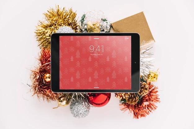Mockup de tablet con concepto de navidad