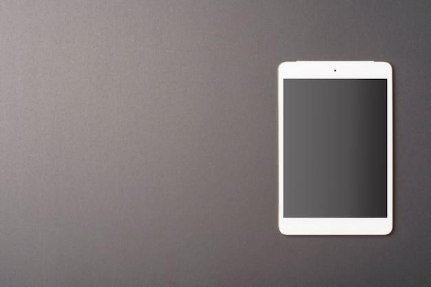 Mockup tablet su sfondo nero