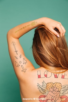 Mockup para tatuaje en la espalda