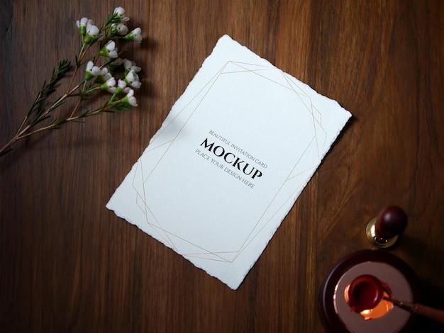 Mockup uitnodigingskaart voor huwelijksuitnodiging