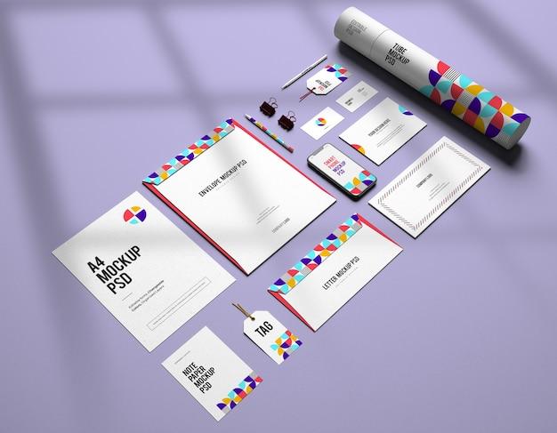 Mockup van corporate stationair merkontwerp met veranderlijke kleuren