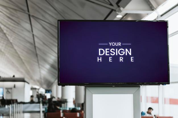 Mockup van digitaal aankondigingsbord in een passagiersterminal