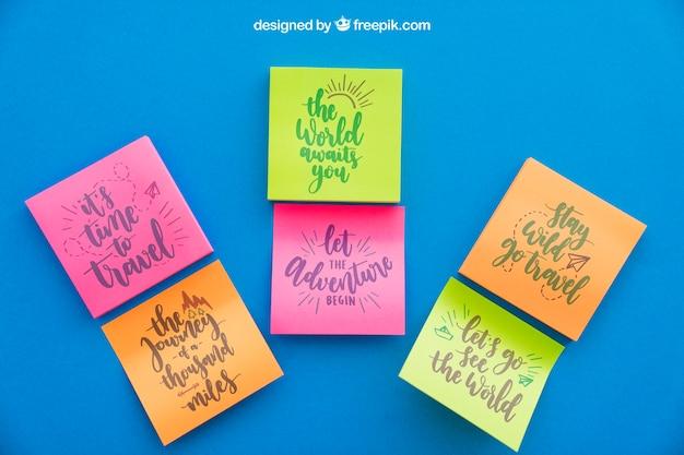Mockup van drie paar zelfklevende notities