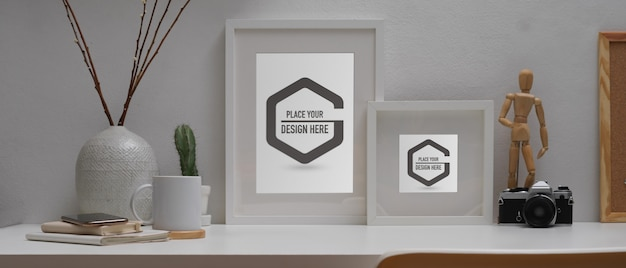 Mockup van frames, briefpapier en decoraties