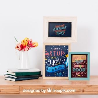Mockup van frames naast boeken