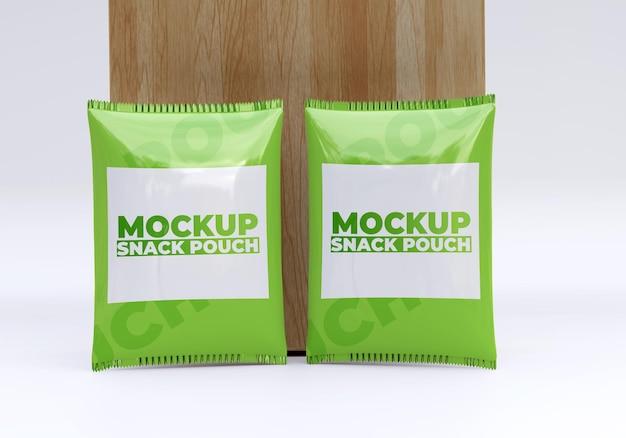 Mockup van plastic zak met snackzakje