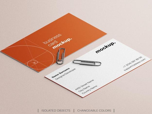 Mockup van professionele briefpapier visitekaartje met paperclips