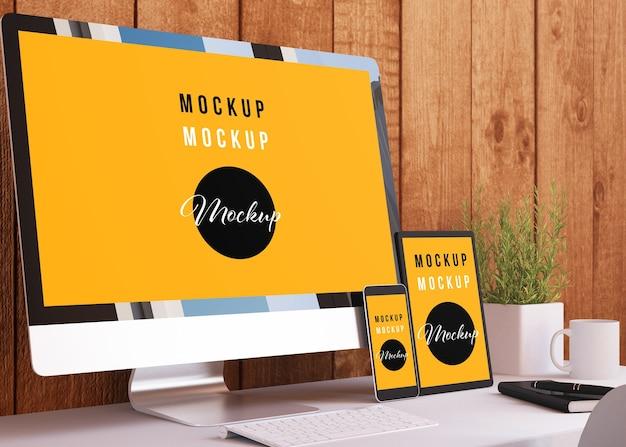 Mockup van responsieve apparaten op kantoor