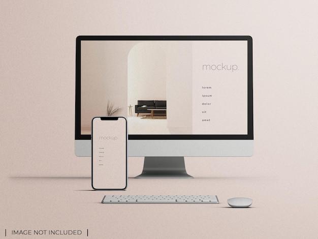Mockup van responsieve pc-computermonitor met smartphone-apparaatscherm webpresentatieconcept