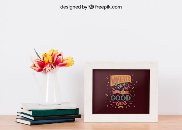 Mockup van twee frames en boeken