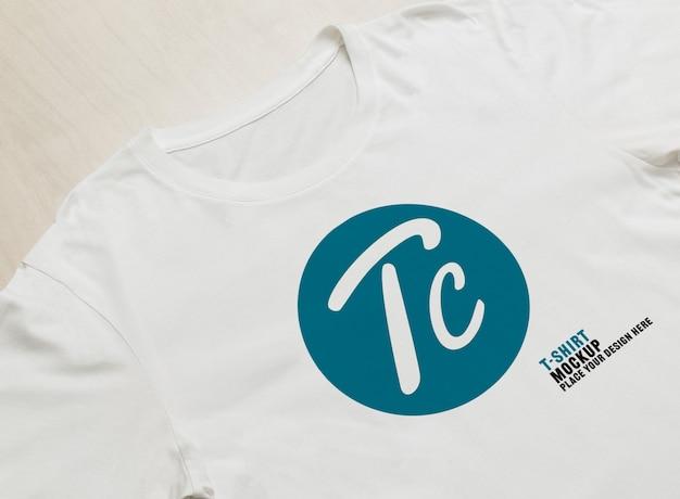 Mockup van witte t-shirts