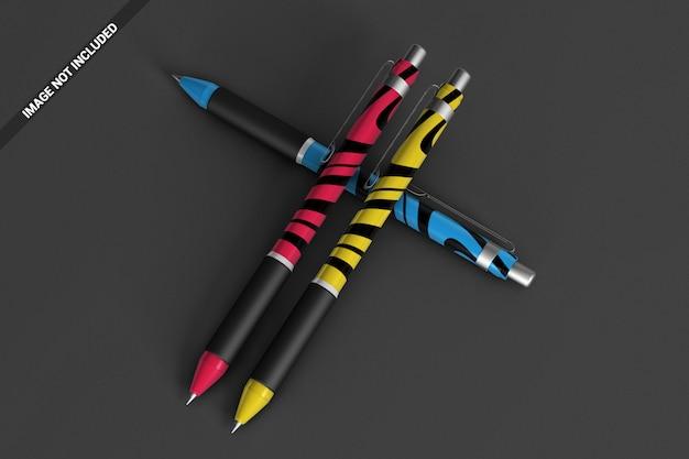 Mockup vista dall'alto di penne colorate
