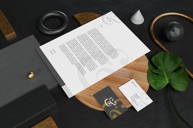 Mockup voor visitekaartje met document en briefpapier