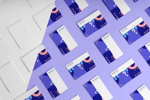 Mockup voor visitekaartjes met platliggend patroon