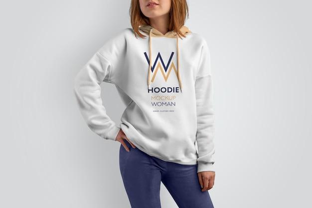 Mockups vrouw hoodie.