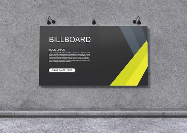 Modello del tabellone per le affissioni sulla parete grigia