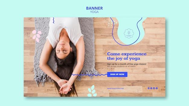Modello di banner pubblicitario di yoga