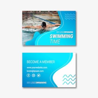Modello di biglietto da visita con nuoto