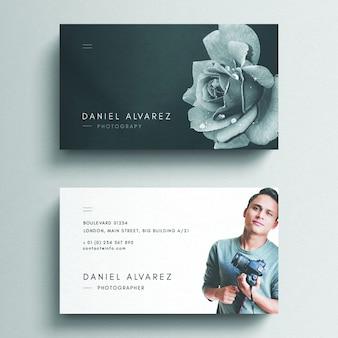 Modello di biglietto da visita floreale con foto