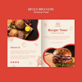 Modello di brochure bifold per ristorante di hamburger