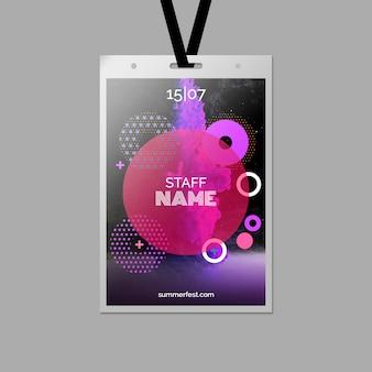Modello di carta d'identità per il festival estivo