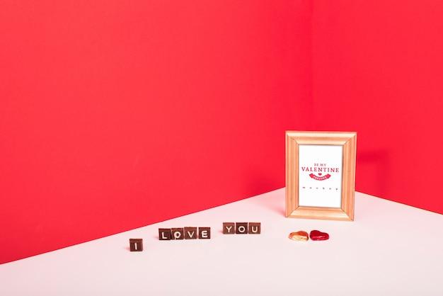 Modello di cornice con il concetto di san valentino