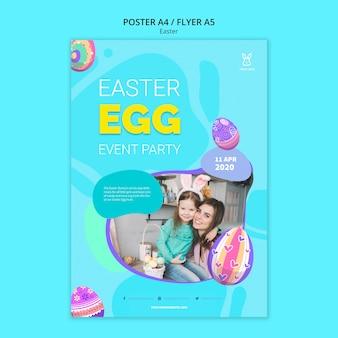 Modello di manifesto colorato uovo di pasqua