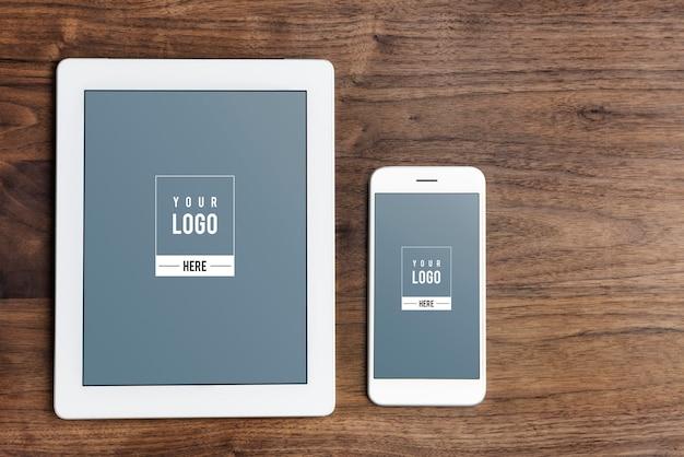 Modello di mockup di schermo di dispositivi digitali