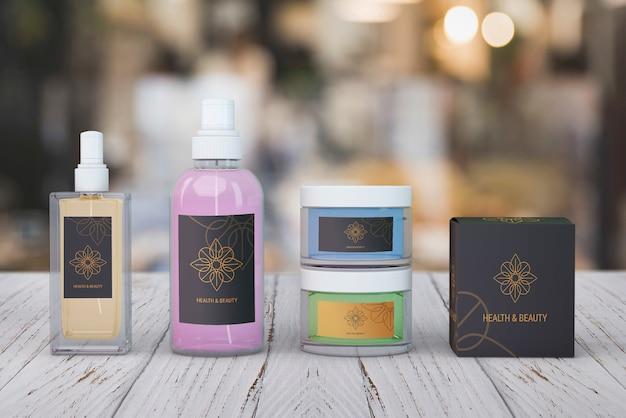 Modello di prodotti di bellezza su sfondo sfocato