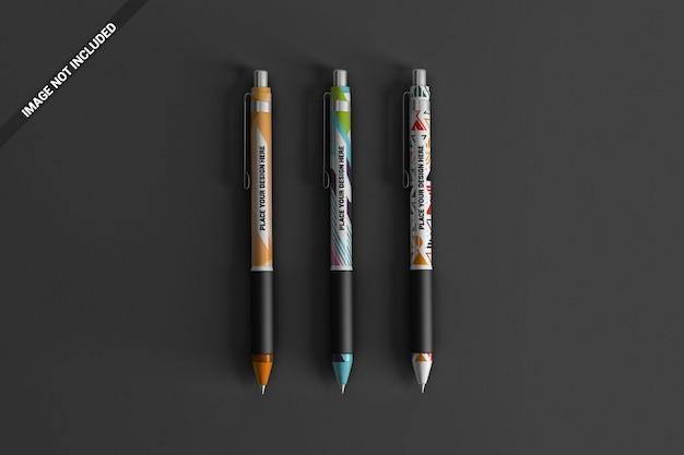 Modello di tre penne colorate