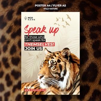 Modello di volantino natura selvaggia con foto di tigre