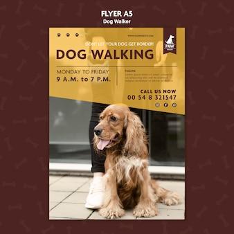 Modello di volantino per dog walker