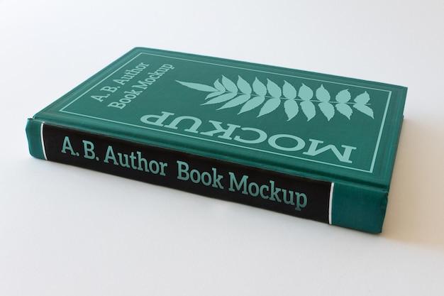 Modello editabile del libro dalla copertina rigida chiuso verde