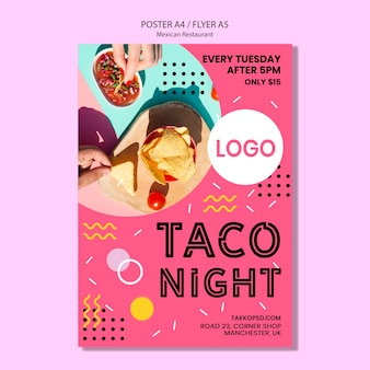Modello messicano colorato del manifesto di notte del taco
