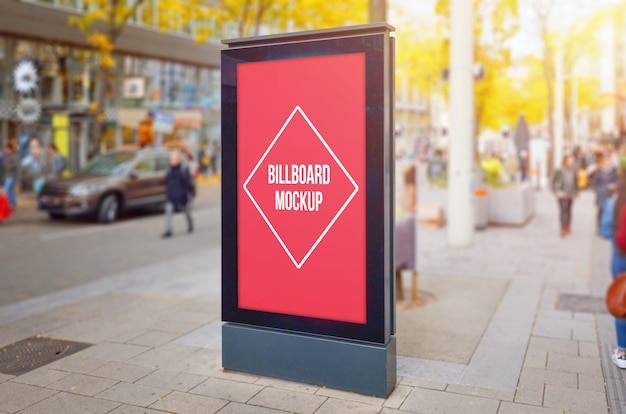 Modern verticaal het aanplakbordmodel van de stadsstraat.