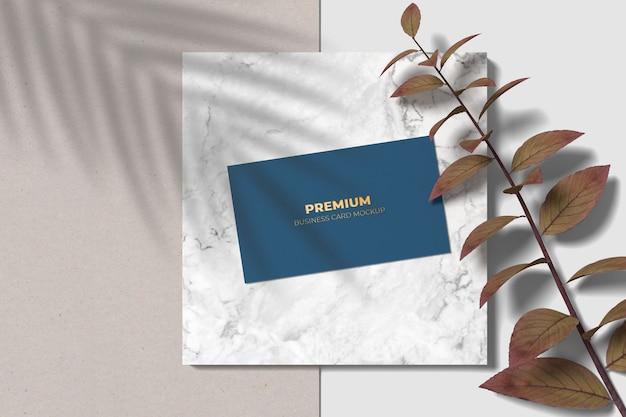 Modern visitekaartje mockup met boekdruk effect