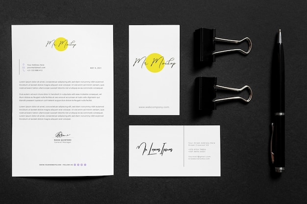 Modern zakelijk briefpapier mock-up arrangement
