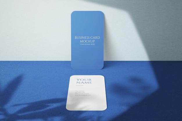 Moderne minimalistische verticale mockups voor visitekaartjes van bedrijven