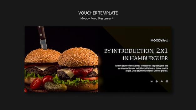 Moody eten restaurant voucher sjabloon met hamburgers