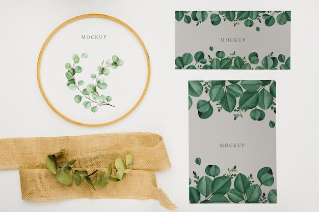 Mooie bloemen uitnodiging concept mock-up