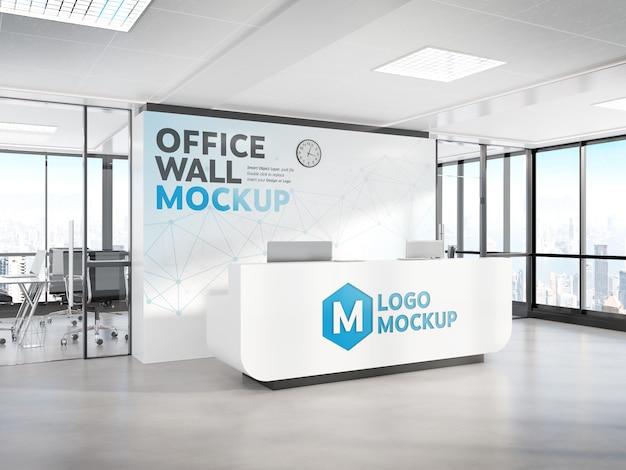Mostrador de recepción en maqueta de oficina moderna