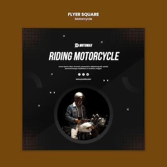 Motorfiets flyer vierkant rijden