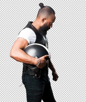 Motorrijder man met een helm