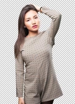 Mujer asiática posando