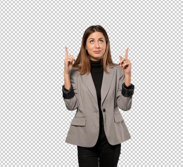 Mujer de negocios que destaca y sorprendida