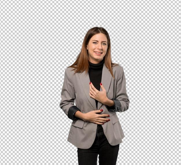 Mujer de negocios sonriendo mucho