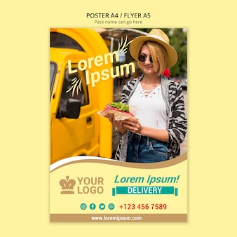 Mujer con sombrero comprando comida de van poster