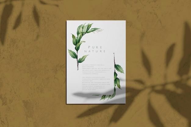 Natura pura con foglie poster mockup