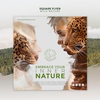 Naturaleza salvaje mujeres y hombres con tigres flyer cuadrado