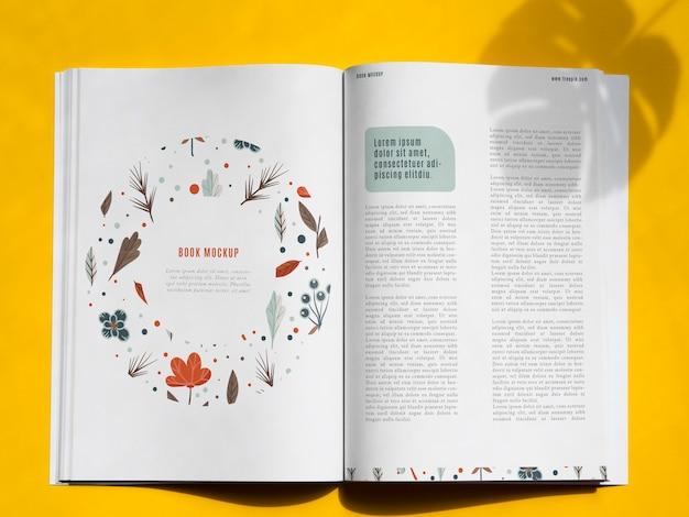 Natuur boek mock up op gele achtergrond